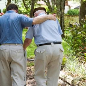 Cuidar de un familiar mayor. ¿Ha llegado el momento de pensar en una residencia?