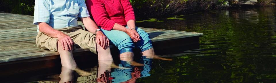 Ejercicios sencillos para cuidar los pies de las personas mayores