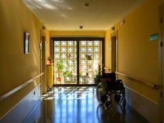 Hacer la casa más segura para la gente mayor